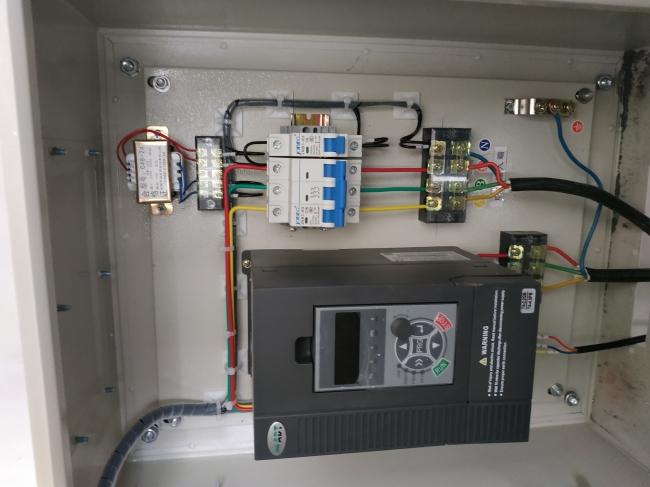 攀西高速田房收费站生活供水系统安装现场